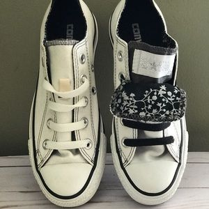 White & black two tongue converse